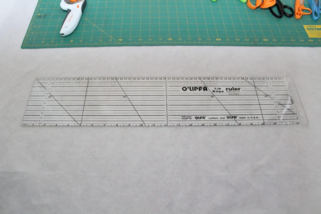 lip edge transparent ruler