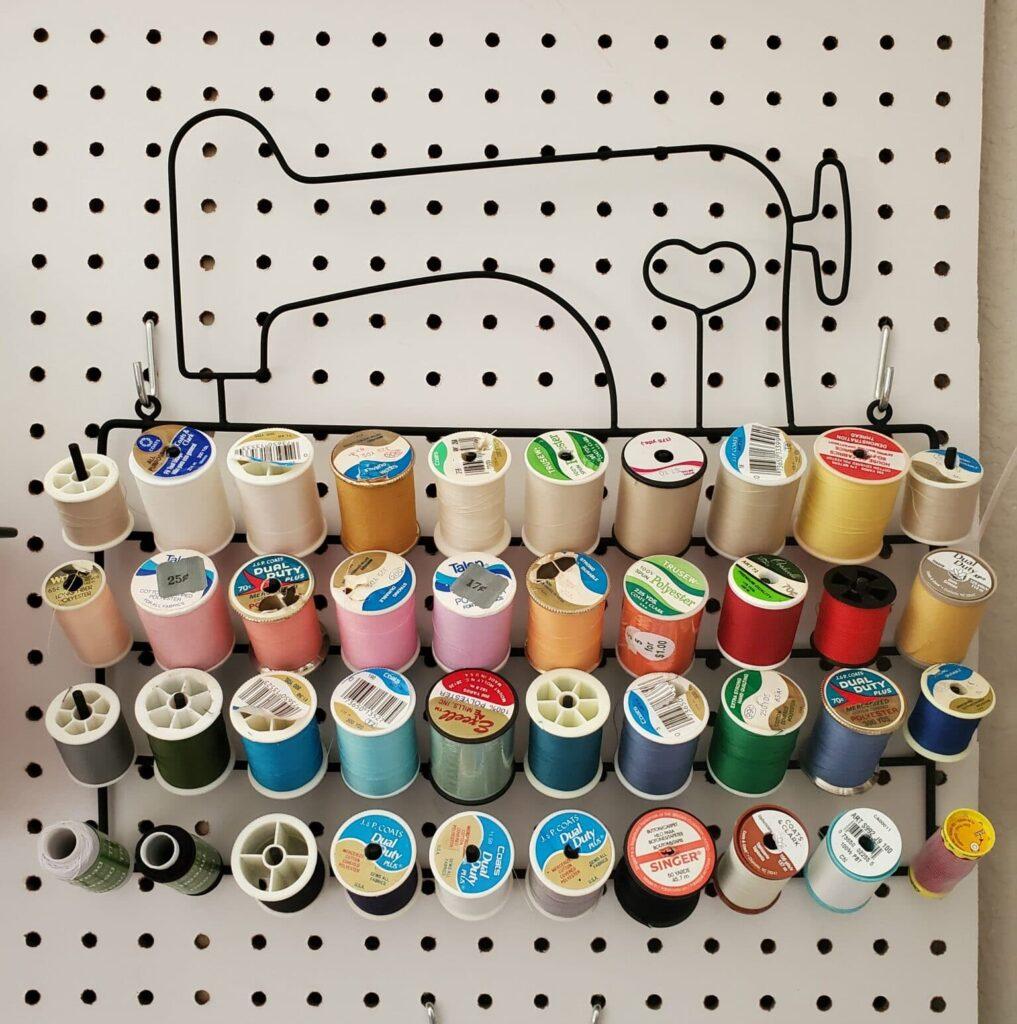 cute thread spool organization idea