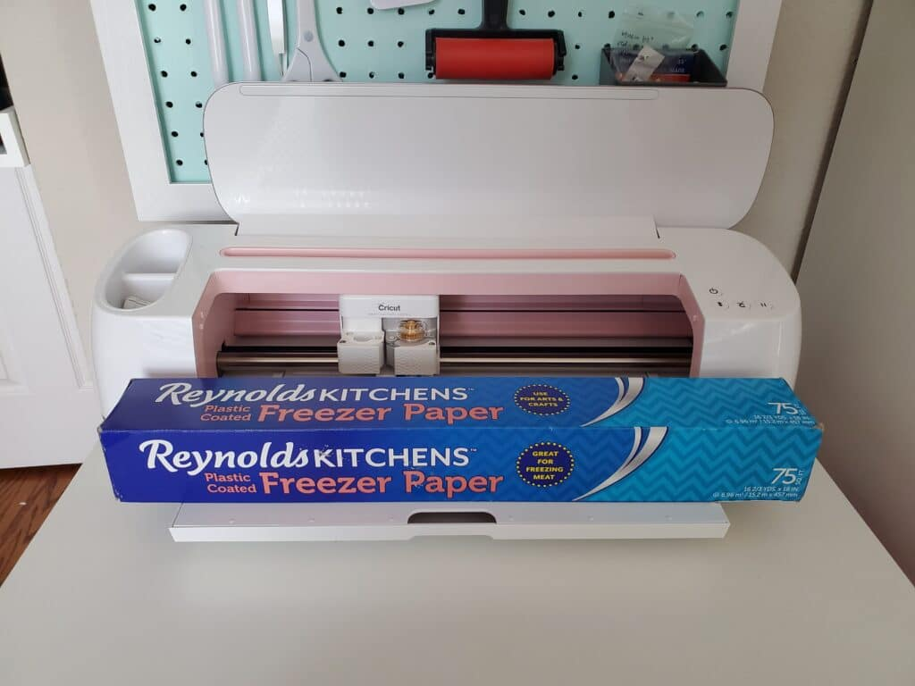 cutting freezer paper appliques with the cricut maker