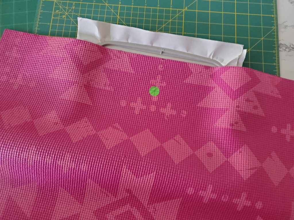 how to mark a mat to center the design