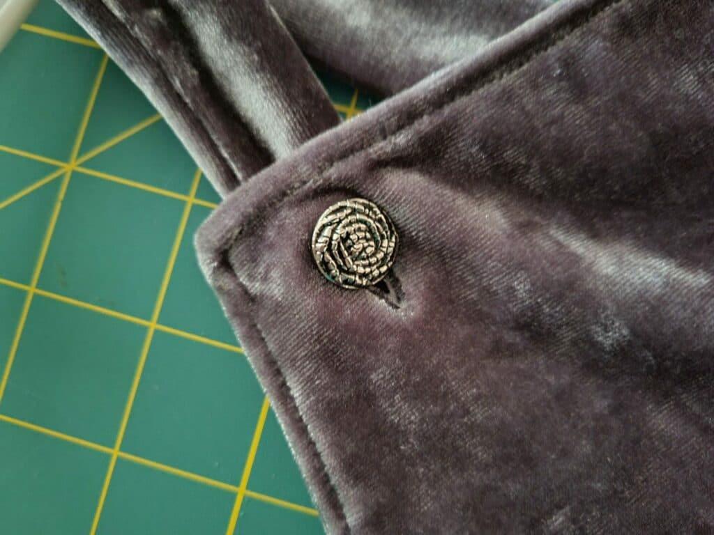 making buttonholes on velvet